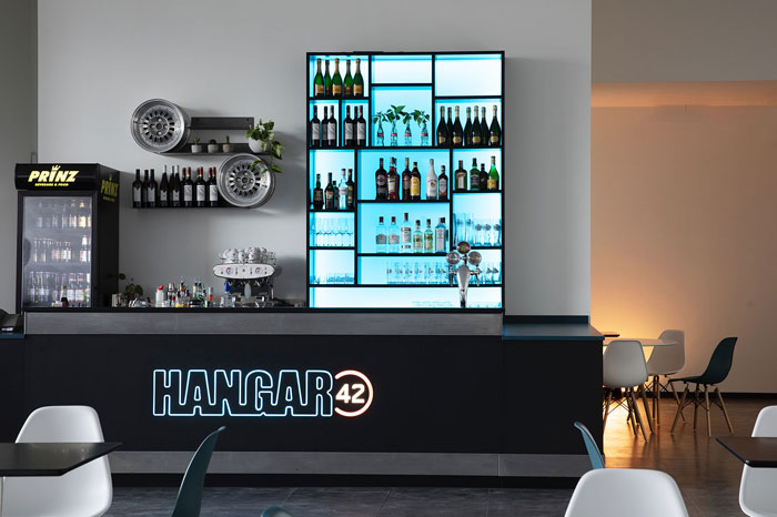 hangar42-kart-firenze-bar-02-700